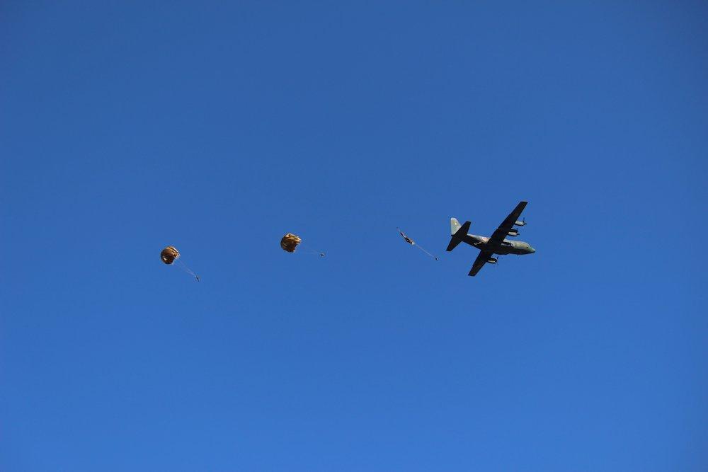 第一空挺団降下始め 070