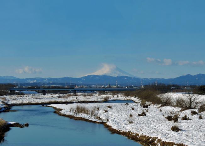 入間川の雪景