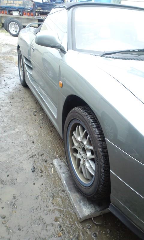 MR2_tire_hakikae02.jpg