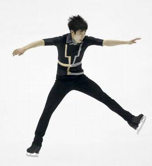 〈スポニチ〉ボーヤンがバレエジャンプをしようとしてる様な所(ブログ)
