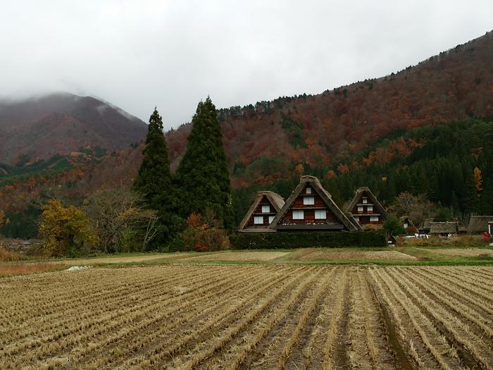 晩秋から初冬が良い季節。 紅葉や初冠雪など四季の移ろいが特に際立つ風景も ⑥