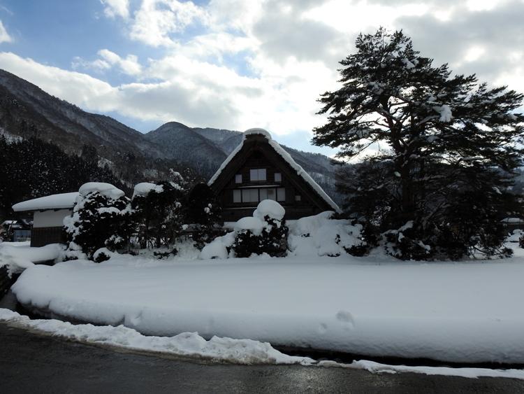幻想的な白川郷の冬を見に行こう♪白川郷ライトアップを楽しむ旅へ ①