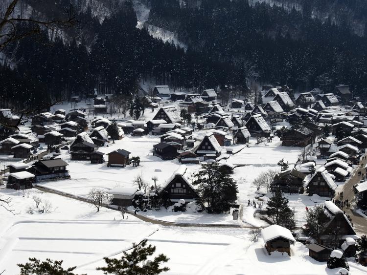 幻想的な白川郷の冬を見に行こう♪白川郷ライトアップを楽しむ旅へ ③