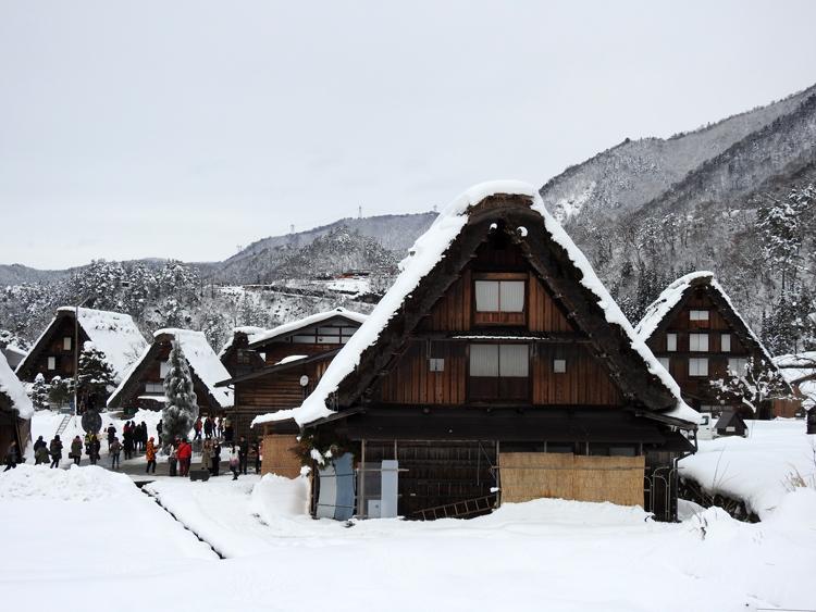 幻想的な白川郷の冬を見に行こう♪白川郷ライトアップを楽しむ旅へ ⑥