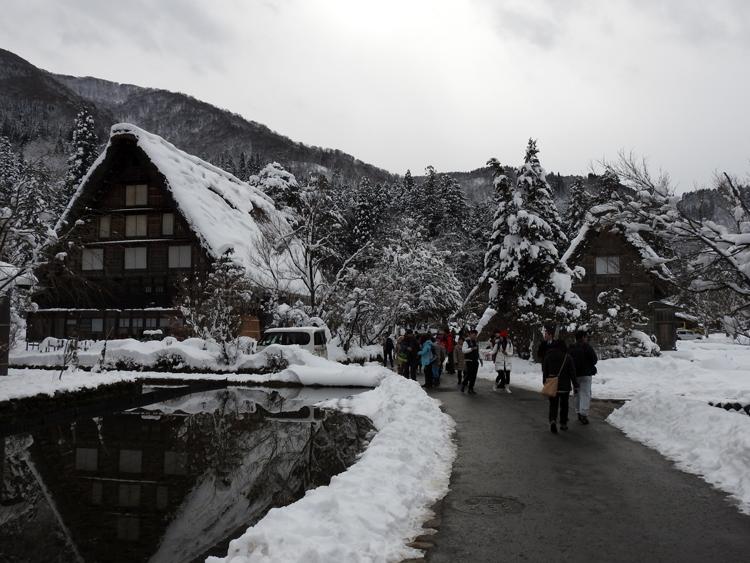 幻想的な白川郷の冬を見に行こう♪白川郷ライトアップを楽しむ旅へ ⑦