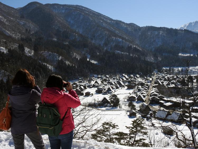 冬の白川郷を旅するならぜひ訪れてほしいのが雪と光のイベント【白川郷ライトアップ】 ラスト開催 2月14日㈰ ①
