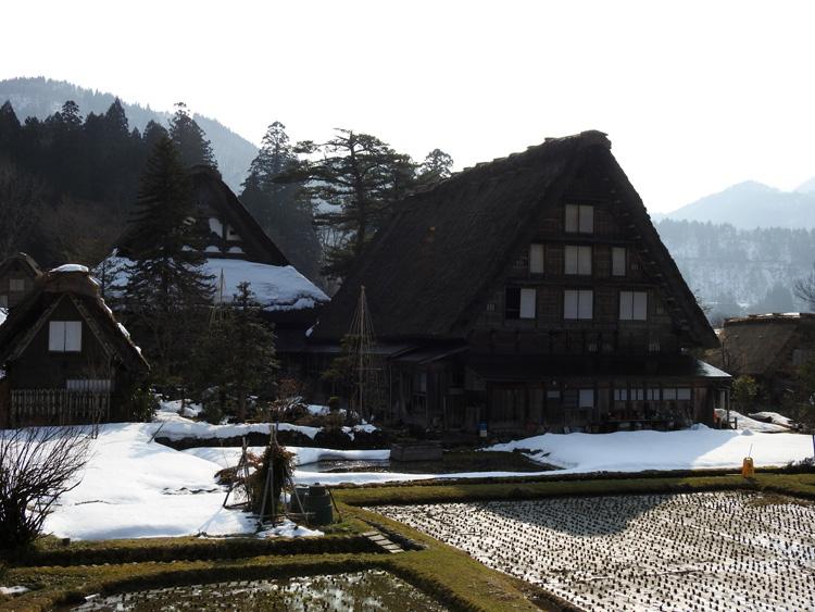 卒業旅行や春休み、もうすぐ新年度を迎えるこの季節にお勧めの旅行~白川郷~ ②