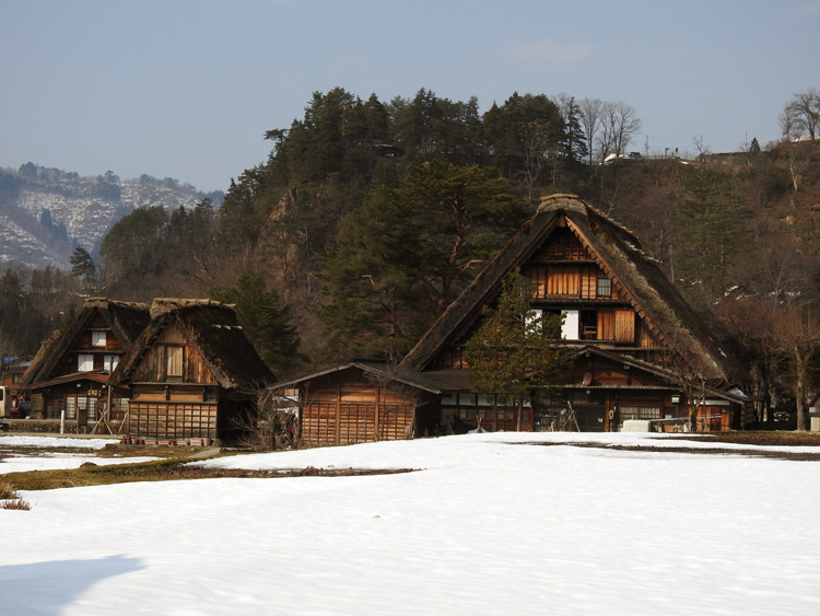 卒業旅行や春休み、もうすぐ新年度を迎えるこの季節にお勧めの旅行~白川郷~ ⑫