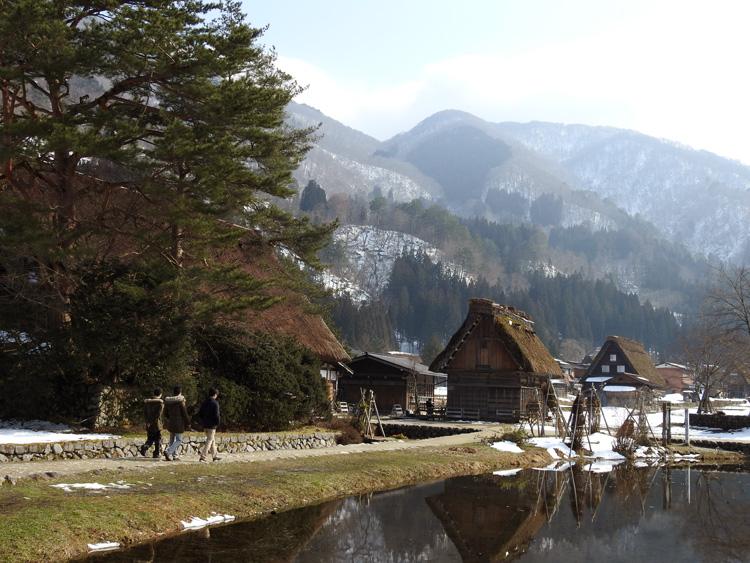 卒業旅行や春休み、もうすぐ新年度を迎えるこの季節にお勧めの旅行~白川郷~ ⑬