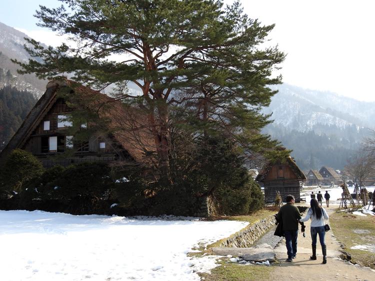 卒業旅行や春休み、もうすぐ新年度を迎えるこの季節にお勧めの旅行~白川郷~ ⑭