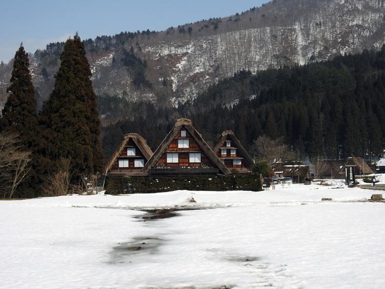 卒業旅行や春休み、もうすぐ新年度を迎えるこの季節にお勧めの旅行~白川郷~ ⑯