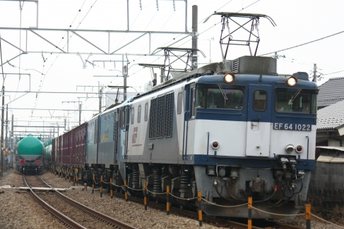 EF64 1022