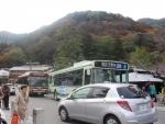 京都の紅葉とバス