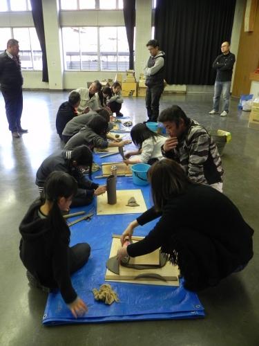 坂出親子おてつ隊主催・茶器花器制作ワークショップ花器づくり