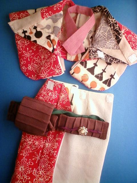beige_kimono_e.jpg