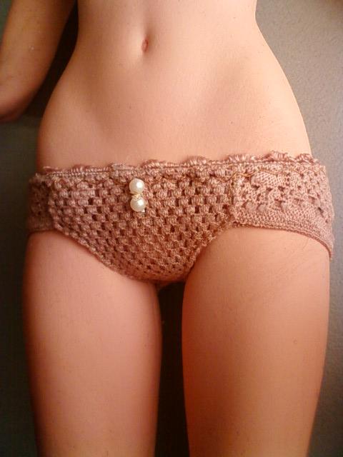 beige_shorts_b.jpg