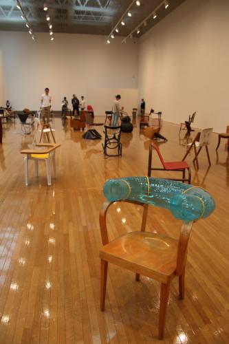 100客の椅子