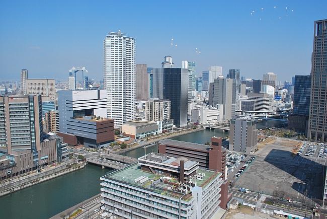 29階からの眺め、堂島川からほたるまち、梅田方面