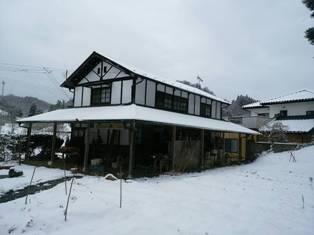 20160115122329雪の古民家
