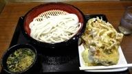 丸亀製麺 ざるうどん(大)、かき揚げ、かしわ天、半熟たまご天