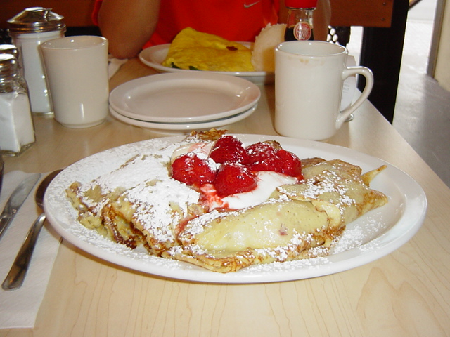 2007 Eggs'n Things - Sour Cream Strawberry