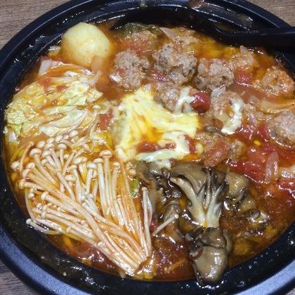 トマトスープミートボール鍋