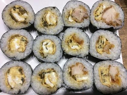 唐揚げと高菜卵焼きの海苔巻き