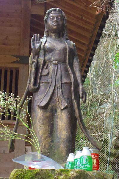 八女津媛神社7
