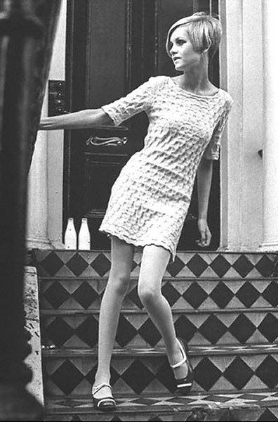 twiggy_wearing-mary-quant.jpg