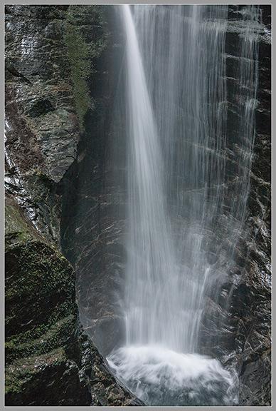 14蜻蛉の滝b