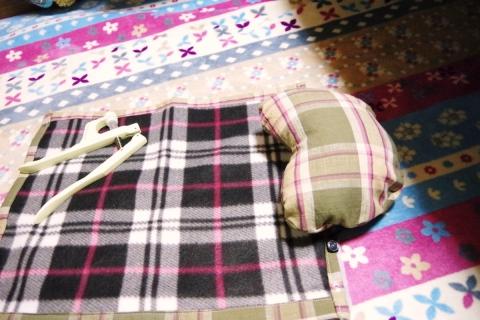 枕付き猫用のマット 中にペットシーツを仕込めるサイズ