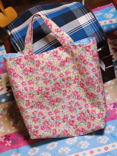 花柄のトートバッグ・サブバッグ