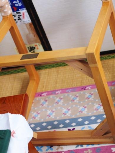 椅子の張り替えの光景