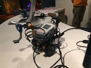 六都科学館で子供とロボットプログラミング体験!「レゴ マインドストーム EV3」をコントロール!