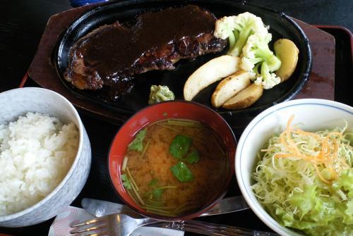 馬肉サーロインステーキ定食(27.11.18)