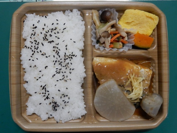 サバ味噌煮弁当@ローソン (3)