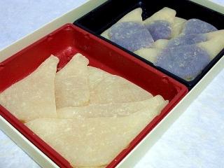 151024_3555naoの「ナガシマスパーランド」土産「秋おたべ(栗・紫芋)」VGA