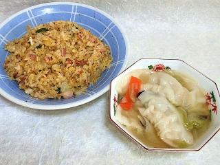 151027_3562炒飯x3合・スープ餃子VGA
