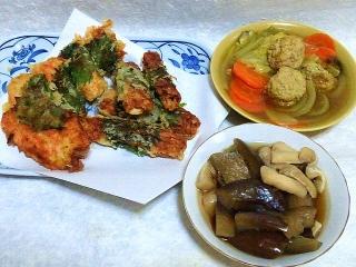 151229_3685カニカマと竹輪の大葉巻き天ぷら・挽肉団子のカレー鍋・茄子と薄揚げの煮物VGA