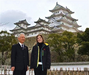 160121_姫路城を訪れたキャロライン駐日米大使_m_sankei-wst1601210069_640x543