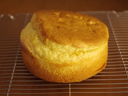 ホットケーキミックスでつくる材料みっつの超簡単スポンジケーキ03