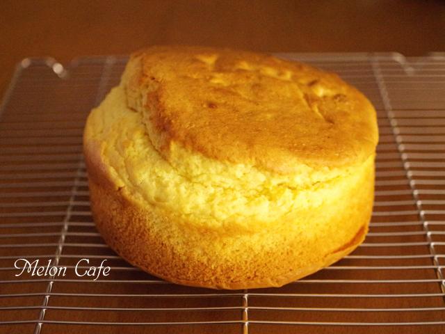 ホットケーキミックスでつくる材料みっつの超簡単スポンジケーキ