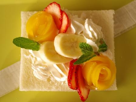 サンドシナイッチフルーツ花束デザート風03