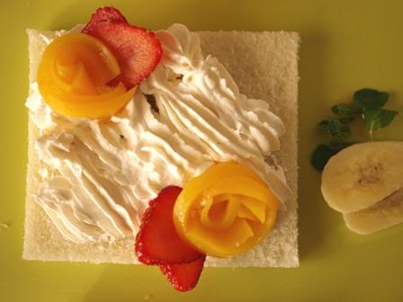 サンドシナイッチフルーツ花束デザート風02