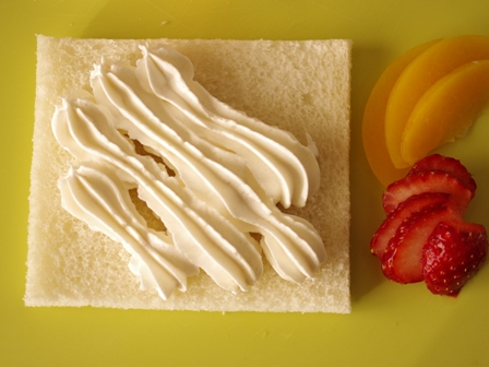 サンドシナイッチフルーツ花束デザート風01