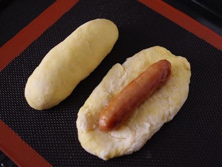 ホットケーキミックスで作るソーセージドッグパン02
