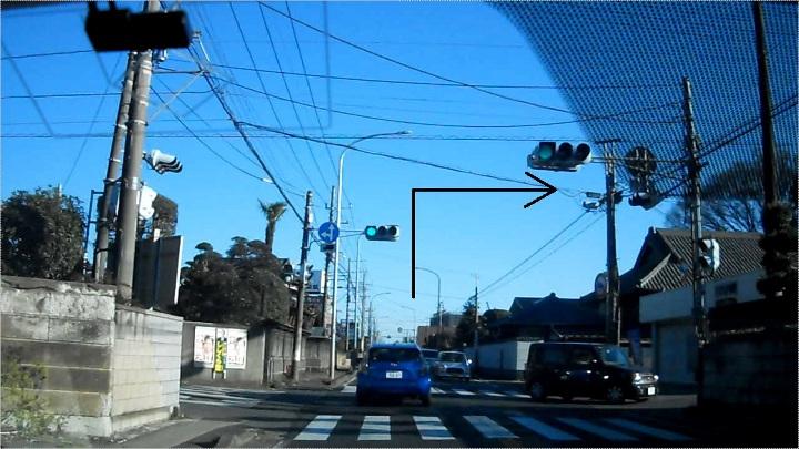 すき家犢橋店横の一時停止違反取締り、ヤマト運輸の信号2つ目を右折
