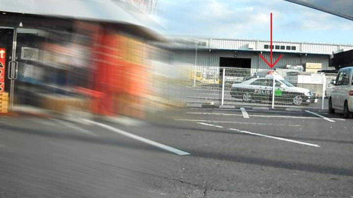 すき家犢橋店横の一時停止違反取締り、取り締まり現場から見たパト