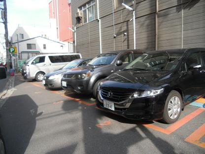 5 広さは9台分駐車可