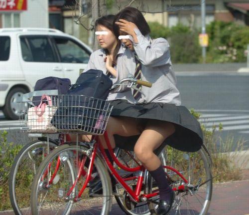 【盗撮画像】自転車通学中のJKは適当に歩いててもパンチラ見えてる説 41枚 No.8